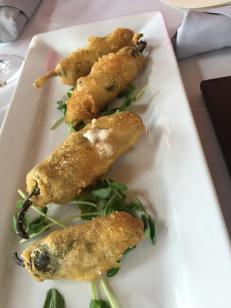 Jalapeño Poppers stuffed with Vegan Brie
